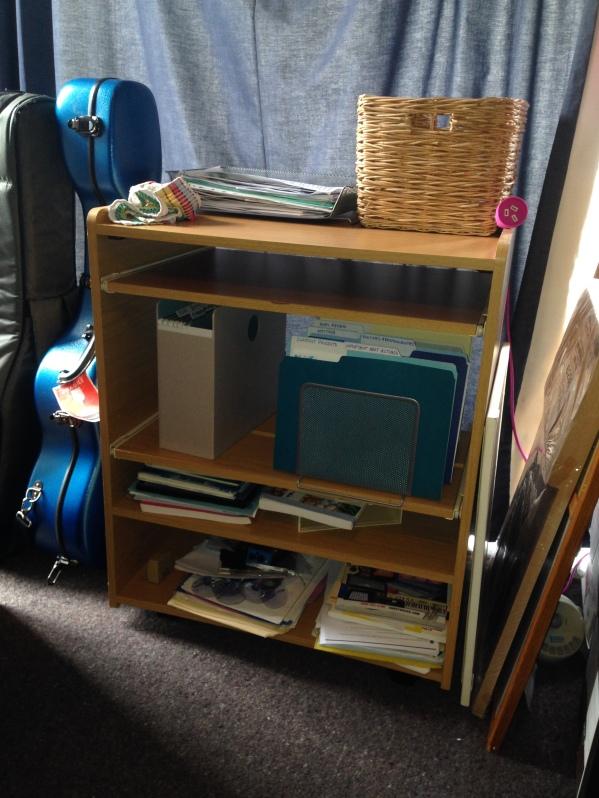 MOM desk hub